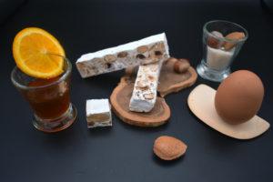 nougat blanc aux écorces d'oranges confites et miel d 'Ariège